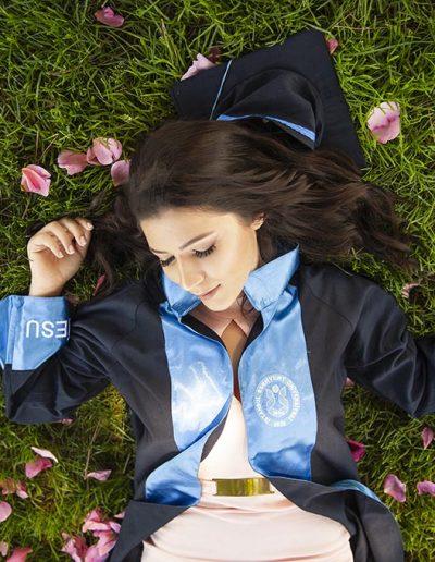 üniversite mezuniyet fotoğrafları mezuniyet fotoğrafçısı -   niversite mezuniyet foto  raflar   400x516 - Mezuniyet Fotoğrafçısı | Mezuniyet Fotoğraf Çekimi İstanbul ve Fiyatları