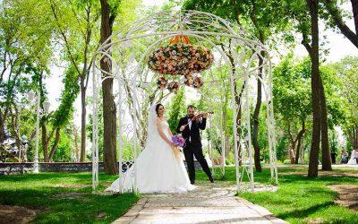 Emirgan Korusu Düğün Fotoğrafları   Dış Mekan Fotoğraf Çekimi düğün fotoğraf çekimi için en iyi yerler - emirgan korusu d     mekan foto  raf   ekimi d      n foto  raflar   400x250 - İstanbul'da Nişan Düğün Fotoğraf Çekimi İçin En İyi Yerler, Mekanlar