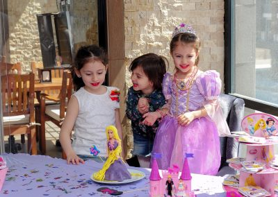 Doğum Günü Fotoğraf Çekimi 0022  - Do  um G  n   Foto  raf   ekimi 0022 400x284 - Doğum Günü